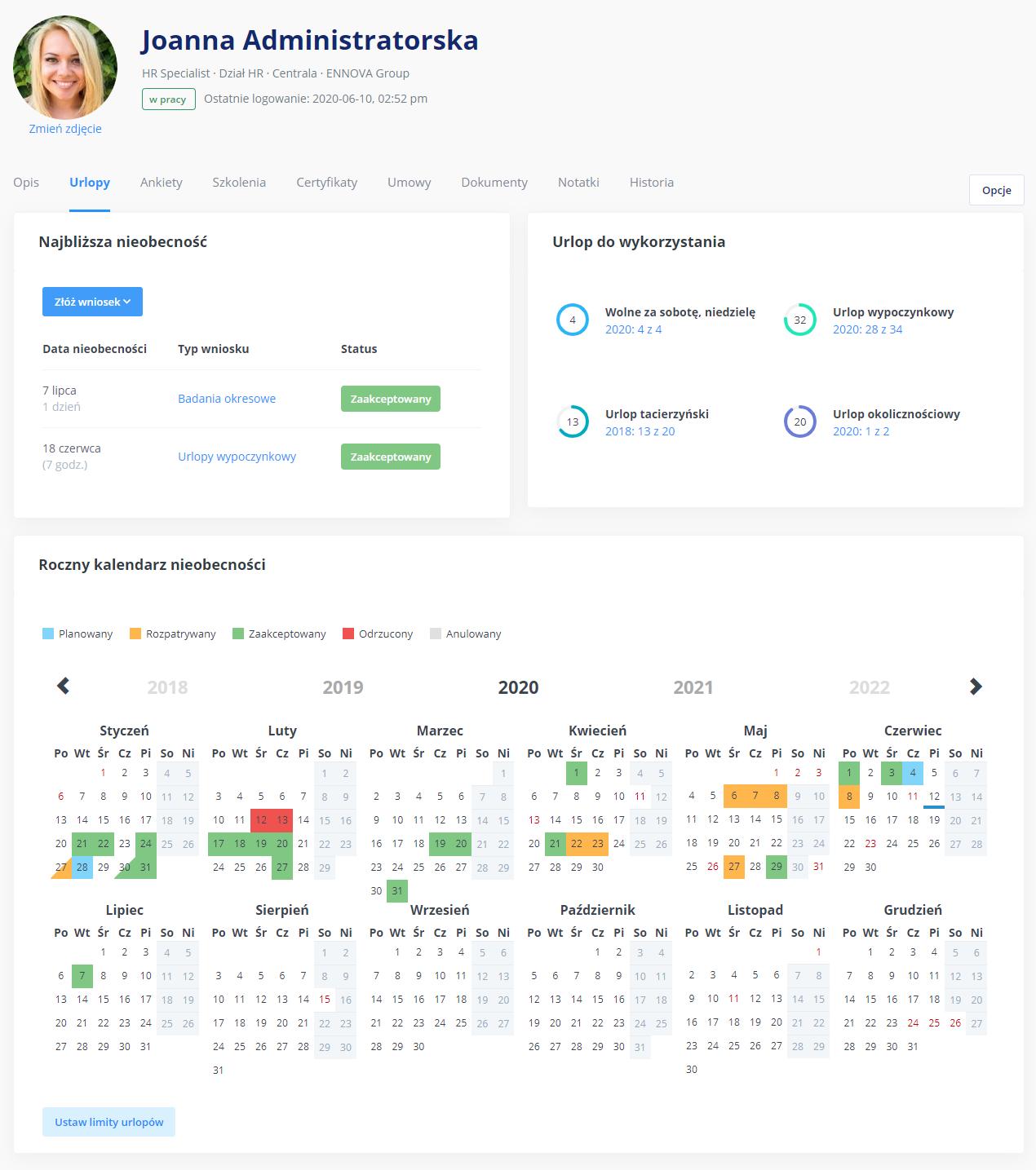 Roczny kalendarz urlopów w aplikacji urlopowej